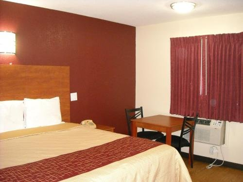 Photo of Bastrop Inn