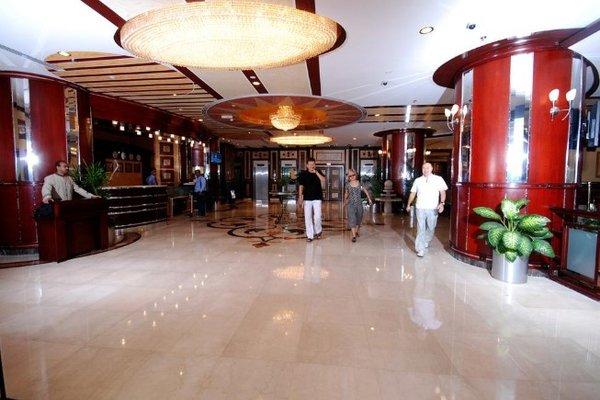 Al Bustan Tower Hotel Suites - фото 7