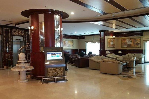 Al Bustan Tower Hotel Suites - фото 8