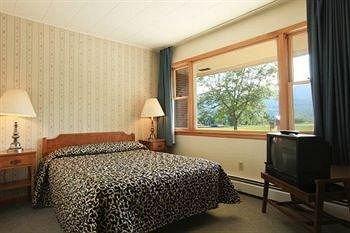 Photo of Ladd Brook Inn