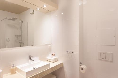 Sofie Apartments - фото 8