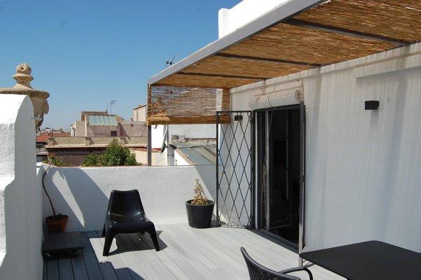 Near Paseo de Gracia Apartments - фото 16