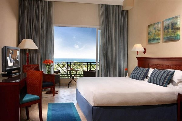 Fujairah Rotana Resort & Spa - Al Aqah Beach - фото 2