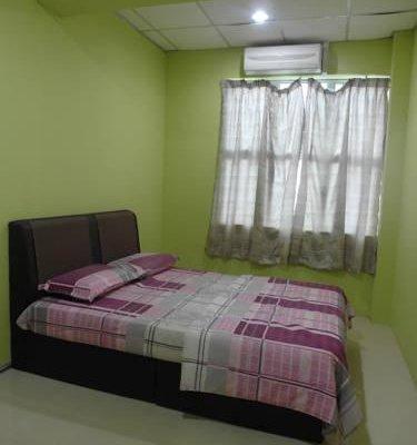 Гостиница «Desa Abadi Homestay - Muslim Only», Куа