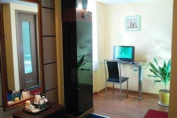 Home Club Hotel Shimao Branch - фото 11