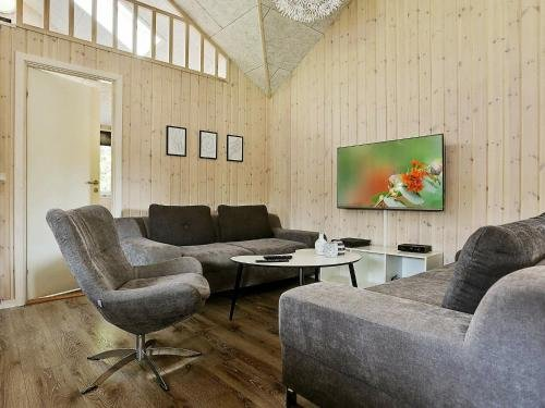 Eight-Bedroom Holiday home in Frederiksvaerk - фото 7