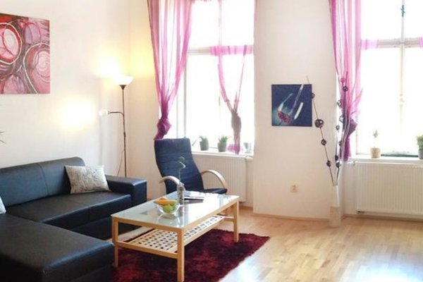 Rybna Large Apartment - фото 9