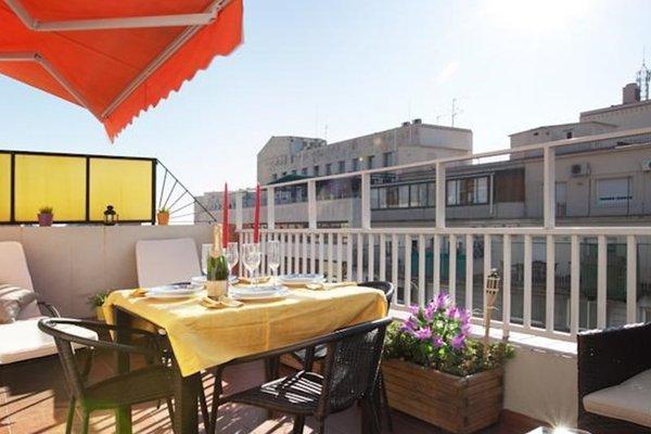 Sunny Attic Urquinaona Apartment - фото 5