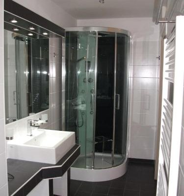 CH-Vienna Wellness Apartments - фото 9