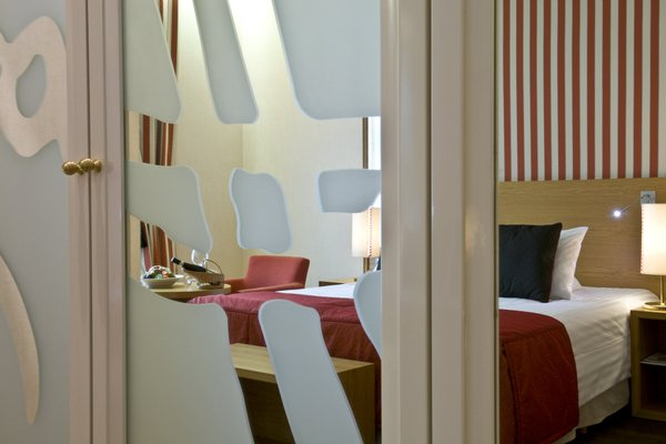 Mamaison Hotel Riverside Prague - фото 18