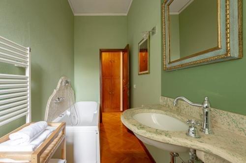 Ponte Vecchio 3 bedroom apartment - фото 21