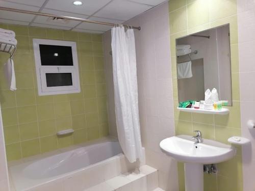 Al Massa Hotel Apartments 1 - фото 11