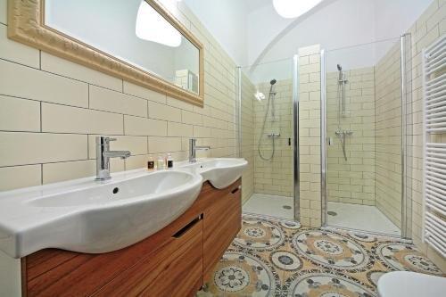 DeLuxe Apartment - фото 10