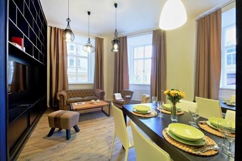 DeLuxe Apartment - фото 12