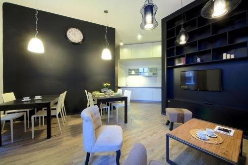 DeLuxe Apartment - фото 14