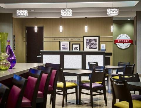 Hampton Inn by Hilton Sarnia/Point Edward - фото 12