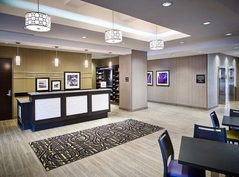 Hampton Inn by Hilton Sarnia/Point Edward - фото 13