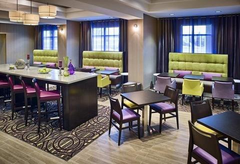 Hampton Inn by Hilton Sarnia/Point Edward - фото 15