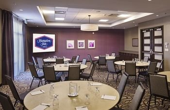 Hampton Inn by Hilton Sarnia/Point Edward - фото 17