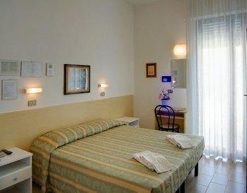 Hotel Acquazzurra - фото 1
