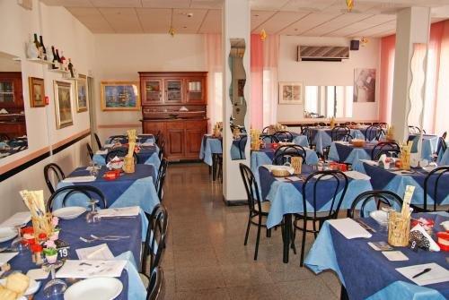 Hotel Acquazzurra - фото 4