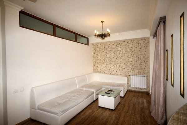 Rent in Yerevan - Apartment on Mashtots ave. - фото 8