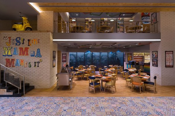 Holiday Inn New Delhi International Airport - фото 16