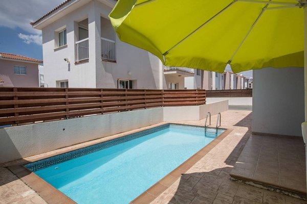 Blue River Apartment - фото 10