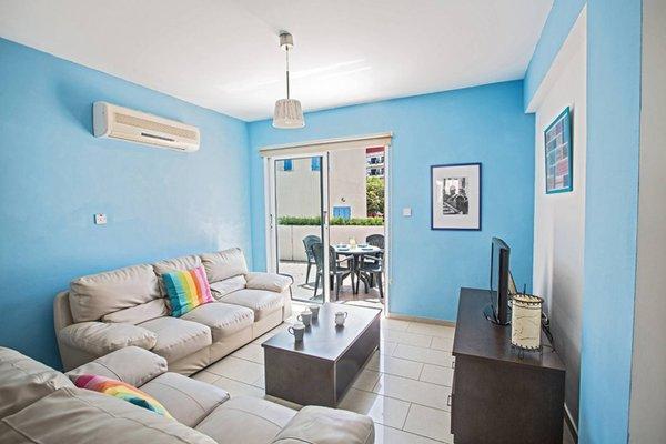 Blue River Apartment - фото 12