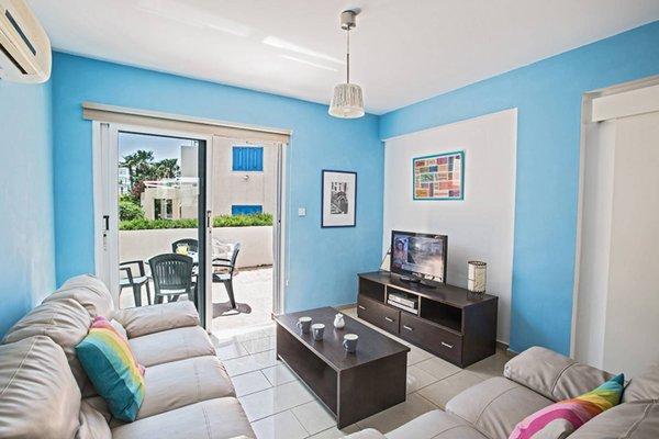 Blue River Apartment - фото 13