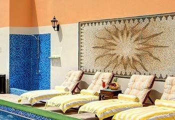 Ewan Ajman Suites Hotel - фото 48