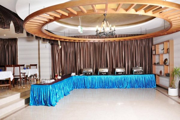 Ewan Ajman Suites Hotel - фото 17
