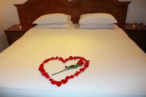 Ewan Ajman Suites Hotel - фото 2