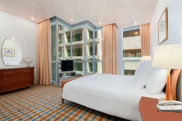 Hilton Baynunah hotel - фото 1