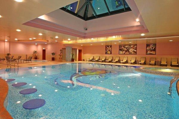 Al Raha Beach Hotel - фото 17