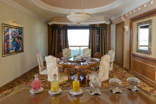 Al Raha Beach Hotel - фото 8