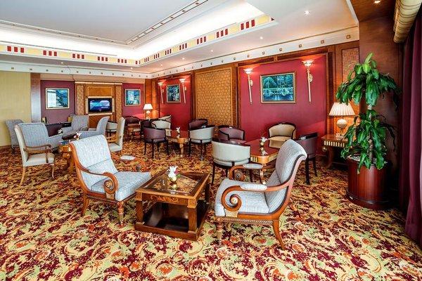 Al Raha Beach Hotel - фото 9