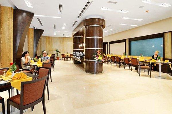 Al Majaz Premiere Hotel Apartments - фото 11