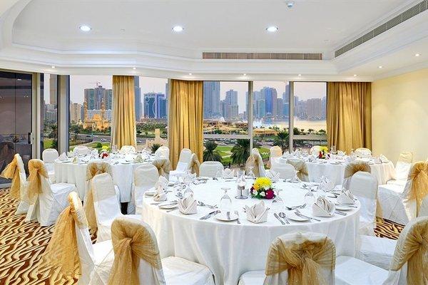 Al Majaz Premiere Hotel Apartments - фото 13