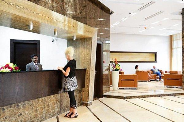 Al Majaz Premiere Hotel Apartments - фото 15