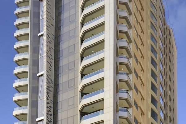 Al Majaz Premiere Hotel Apartments - фото 20