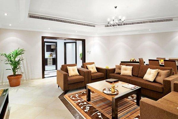 Al Majaz Premiere Hotel Apartments - фото 4