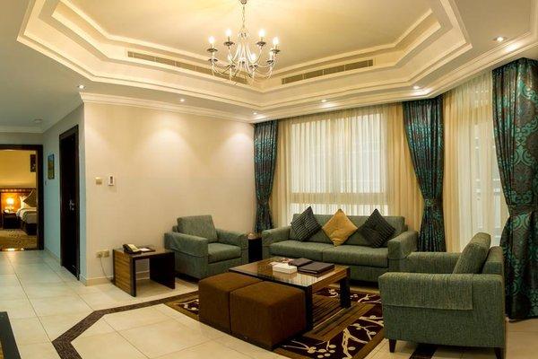 Al Majaz Premiere Hotel Apartments - фото 6