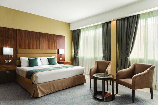 Howard Johnson Hotel - фото 1