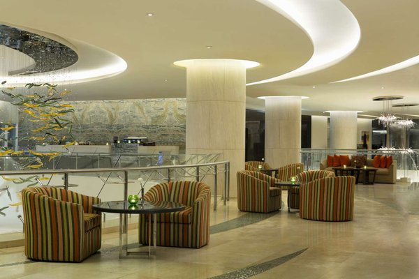 Hilton Capital Grand Abu Dhabi - фото 12