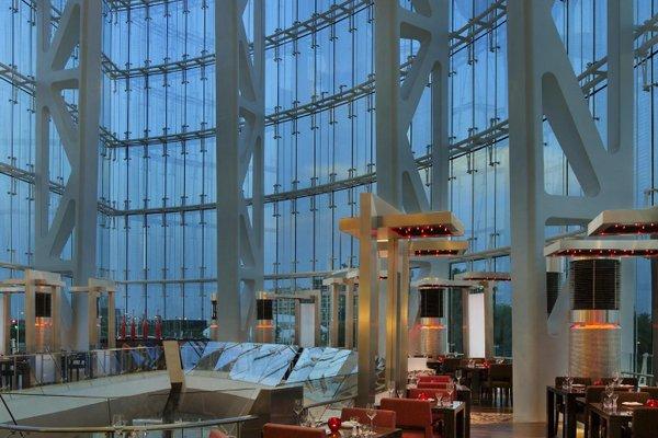 Hilton Capital Grand Abu Dhabi - фото 13