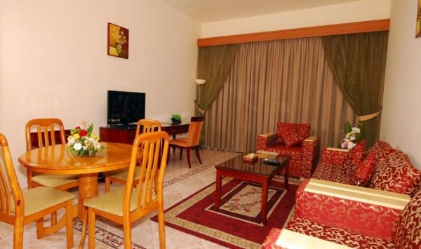 Ramee Guestline Hotel Apartments 1 - фото 4