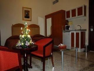 Ramee Guestline Hotel Apartments 1 - фото 9