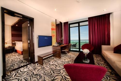 Radisson Blu Hotel, Abu Dhabi Yas Island - фото 2