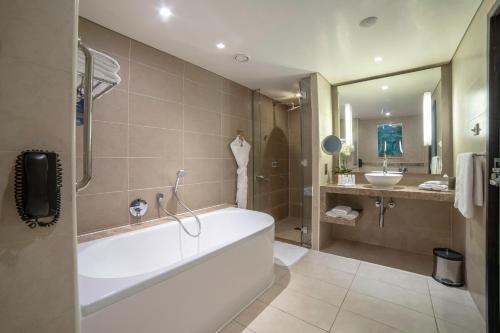 Radisson Blu Hotel, Abu Dhabi Yas Island - фото 7